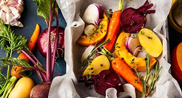 Pour un apport optimal en vitamines, faut-il préférer les aliments crus ou cuits?